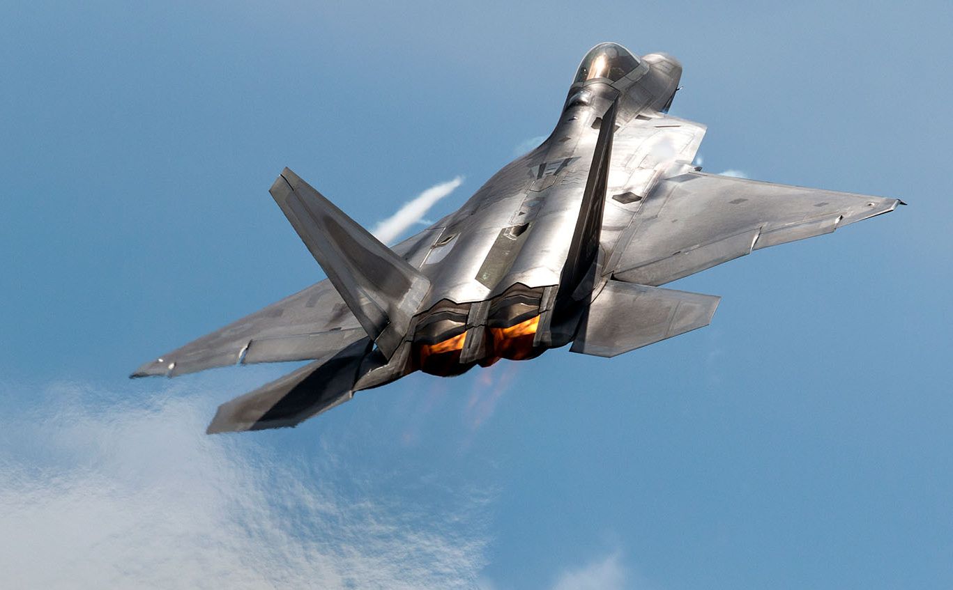 美军装备的F-22第五代战斗机