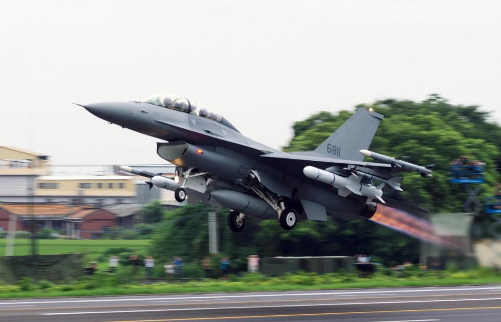战机海上失联后 台媒梳理台军F16战机7次重大事故