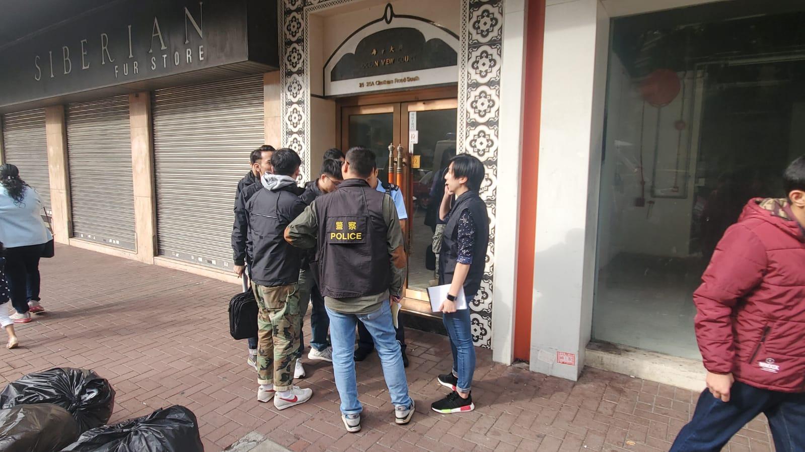 香港街頭發生搶劫案 男子價值1000萬港幣現金被搶圖片