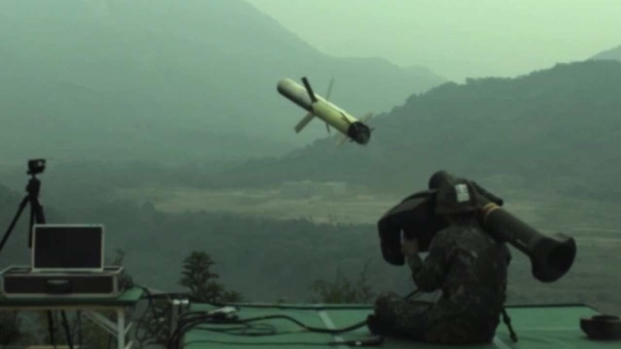 当着外宾的面 韩国军人射偏导弹炸了农田(图)