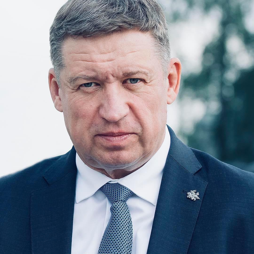 立陶宛防长访美后感染新冠 与他会面的美高官也确诊