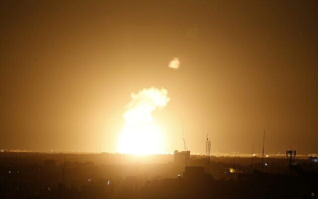 以色列对巴勒斯坦加沙地带哈马斯武装进行报复性打击