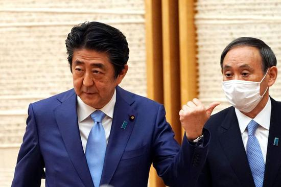 安倍身边人承认挪用政治资金 在野党还要追责菅义伟
