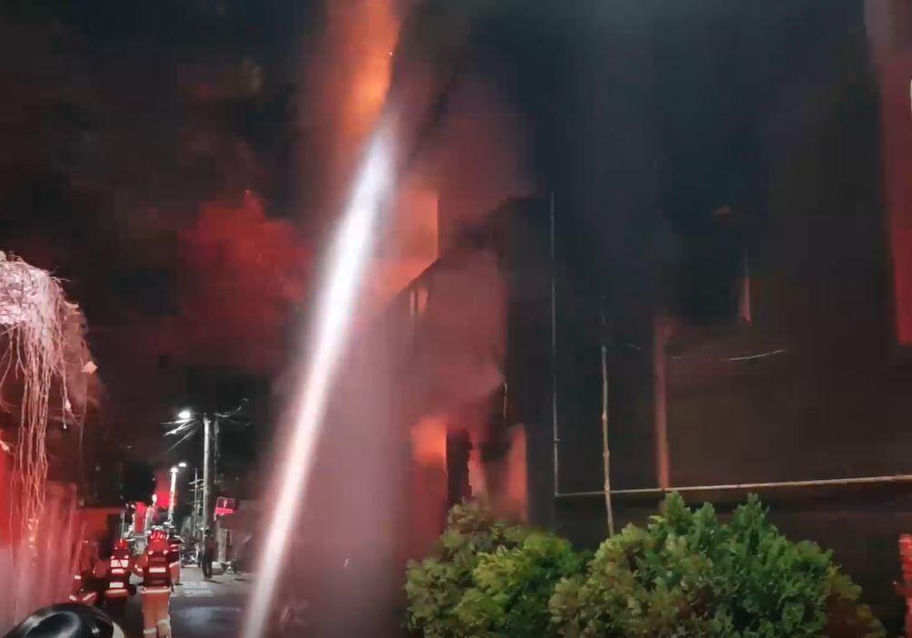 韩国男子要酒被拒后放火烧旅馆,致2死9伤