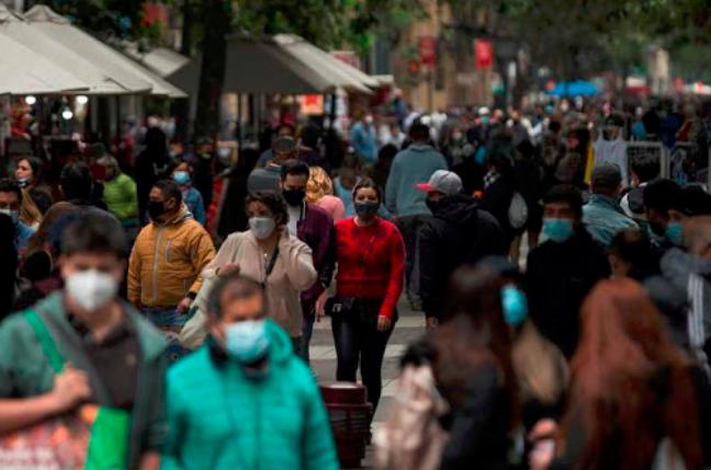 △图:智利首都圣地亚哥市中心步行街。来源:智利《日报》网站