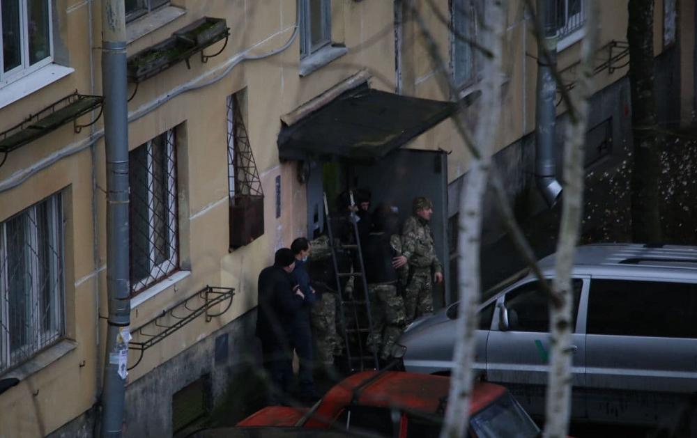 圣彼得堡一男子在公寓内扣留6名儿童 目前已被警方拘留