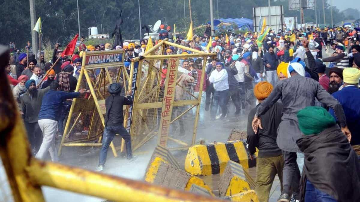 印度新德里周边发生大规模农民抗议 冲突或持续升级