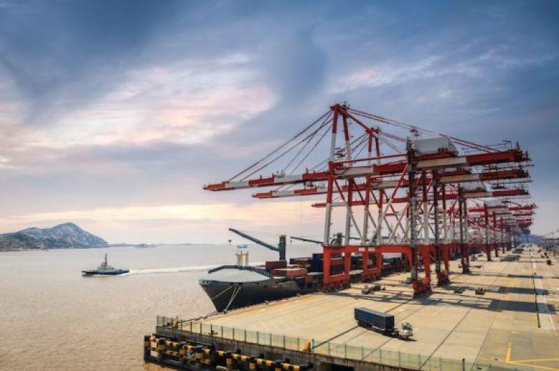 外贸企业人民币升值之困:加班加点忙生产利润却缩水