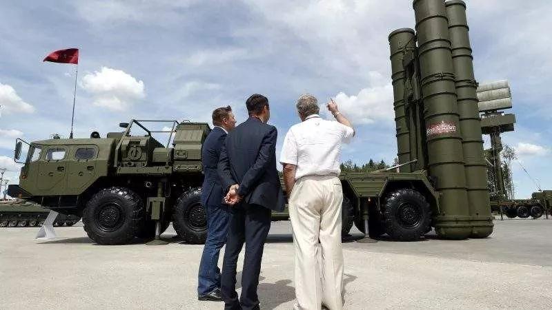 土耳其向俄罗斯购买的S400防空导弹