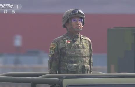 去年10月1日国庆阅兵中的李广泉少将