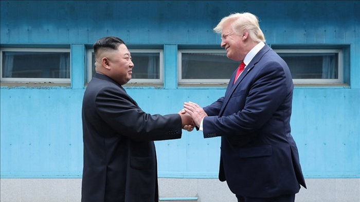2019年6月30日,美朝领导人在板门店会晤。(韩联社TV)