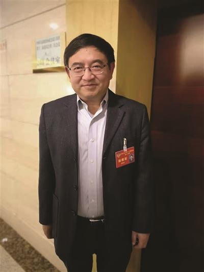 """在上海叫""""濕垃圾""""到南京又改名為""""廚余垃圾"""" 江蘇代表建議:盡快統一叫法,避免分類混淆"""