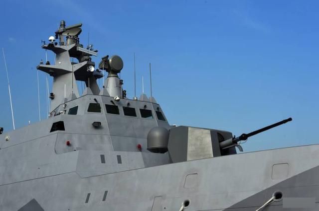 资料图:台军军舰上的76毫米舰炮