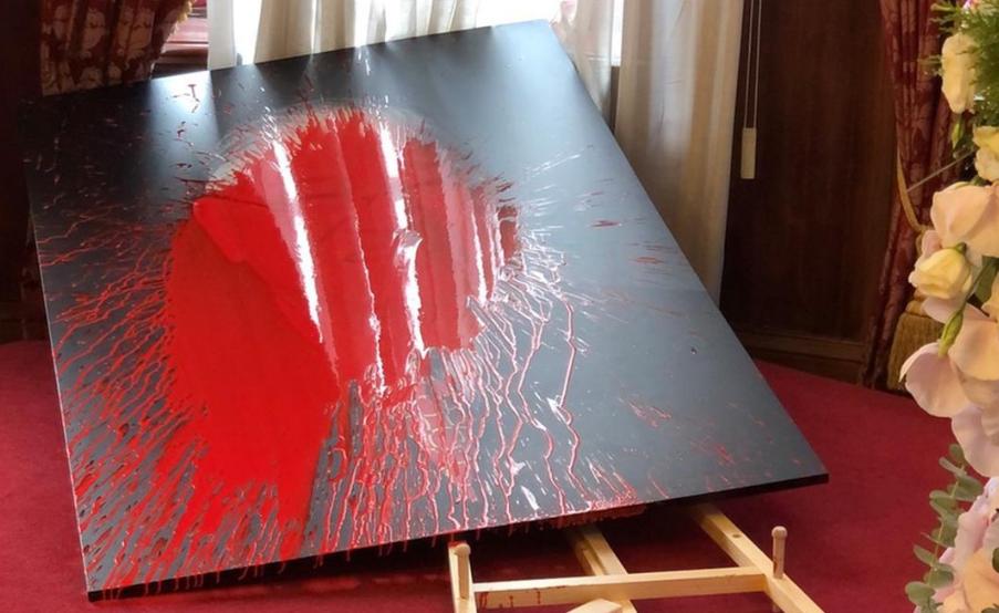 李登辉追思会场被泼红漆