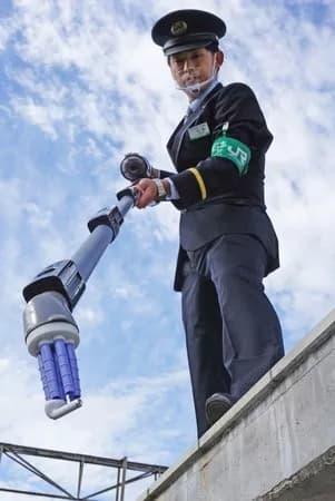 AirPods频繁滑落铁轨:松下开发特制吸尘器帮忙捡拾