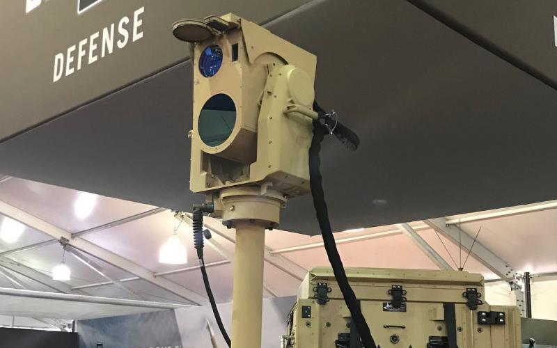 波音测试新型激光炮武器 与上百架无人机进行对抗