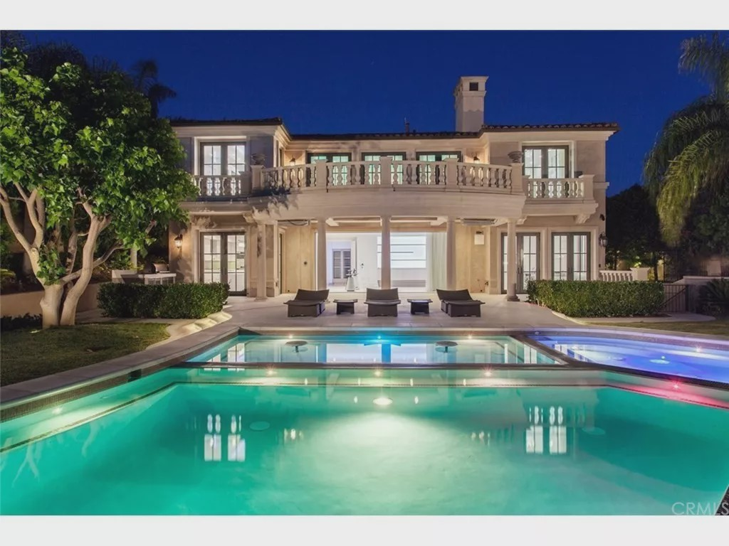 故宫女主的美国豪宅:无边泳池 成交价8千多万元
