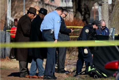 新年伊始 美国多地发生枪击案致多人死伤