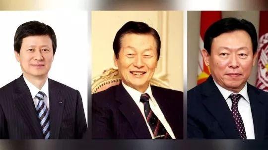 ·辛格浩(中)和儿子辛东主(左)、辛东彬