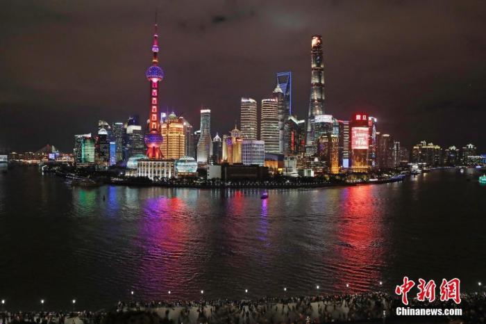 gdp逝年_南京GDP五年连跨5个千亿元:紧抓时代机遇做区域文章