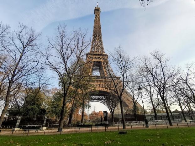 """法国巴黎多处文化地标执行""""解封""""新规 继续关闭"""