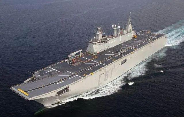 """西班牙海军""""胡安·卡洛斯一世""""号航母"""