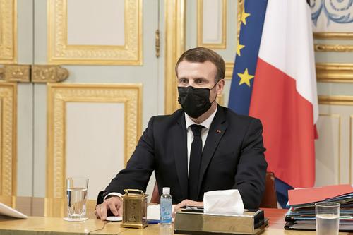 10月29日,法国总统马克龙参加欧盟领导人视频会议。新华社发(欧盟供图)
