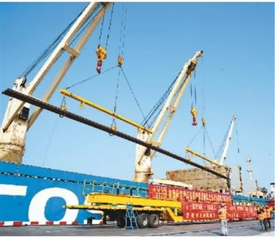 中国长定尺钢轨实现首批出口