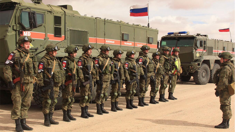 俄罗斯军警在叙利亚执行巡逻任务