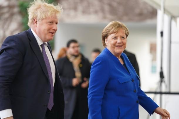 """默克尔点赞英国脱欧贸易协议:具有""""历史性意义"""""""