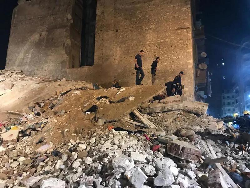 """埃及亚历山大市一""""危楼""""倒塌 已致6人死亡"""