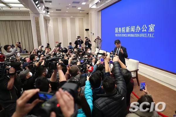 中国疾控中心主任高福在发布会后答记者问