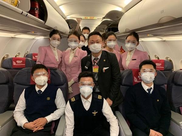 祥瑞航空HO1340航班机组人员
