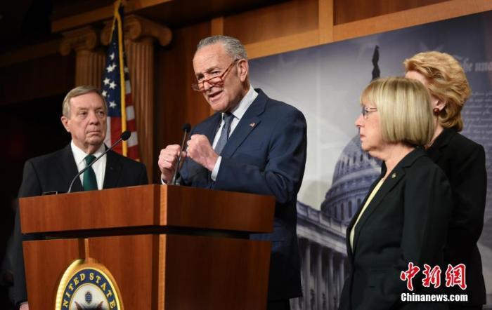 当地时间1月21日,美国国会参议院正式审理针对总统特朗普的弹劾案。中新社记者 陈孟统 摄