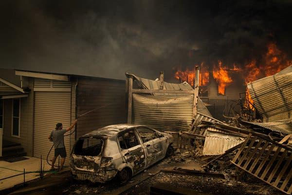 澳大利亚总理探望山火受灾民众 遭怒斥:我们不欢迎你