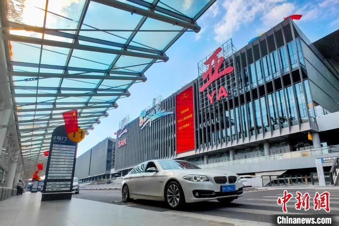 中汽协:10月新能源汽车销量同比下降45.6%