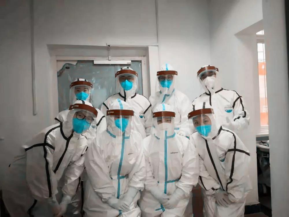 武汉协和医院感染科一楼重症隔离病房护理团队成员。 医院供图