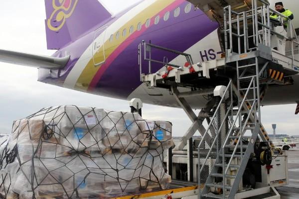 捐献物资抵达上海