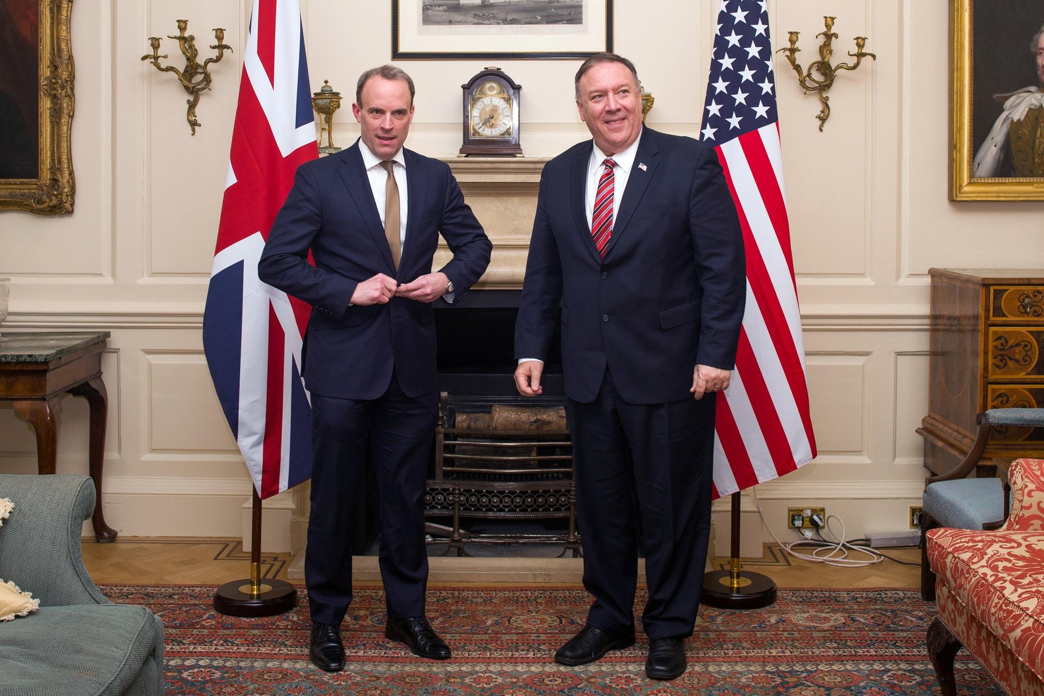 蓬佩奥与拉布在伦敦会面 图片来源:《纽约时报》