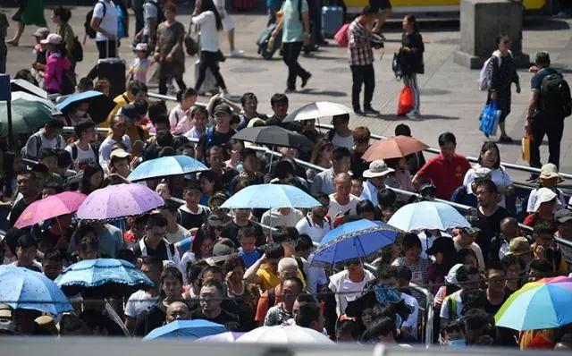令法国人吃惊的10个中国习惯:餐馆夏天提供热水