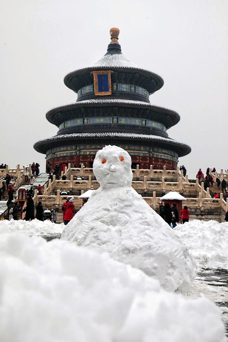 祈年殿前的大雪人。