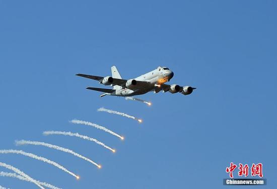 原料图:日本自卫队飞机。王健 摄