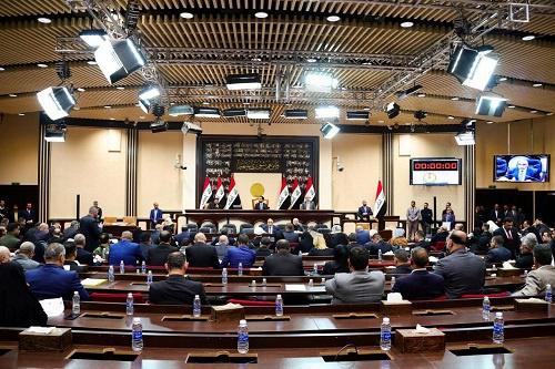 这是2020年1月5日在伊拉克国都巴格达拍摄的国夷易近议会分外会议现场。 新华社发