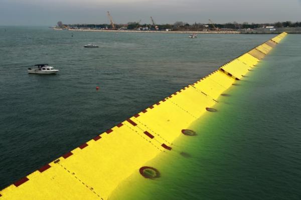 2014年威尼斯的移动防洪屏障 图片来源: VINCENZO PINTO/AFP/AFP via Getty Images