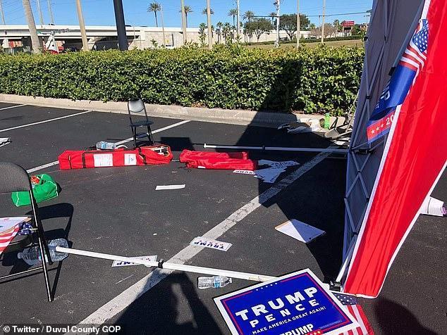 【蜗牛棋牌】男子驾车冲撞共和党大选志愿者 特朗普:别惹我们