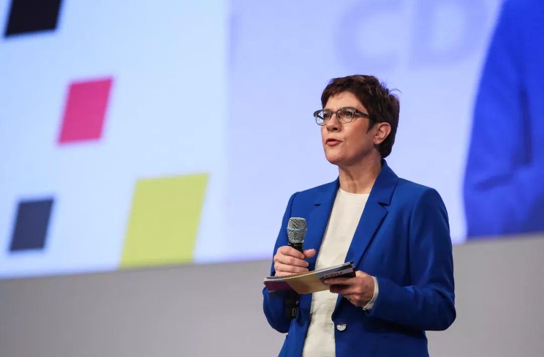 2019年11月22日,在德国莱比锡,克兰普-卡伦鲍尔出席基民盟全国党代会。新华社记者单宇琦 摄