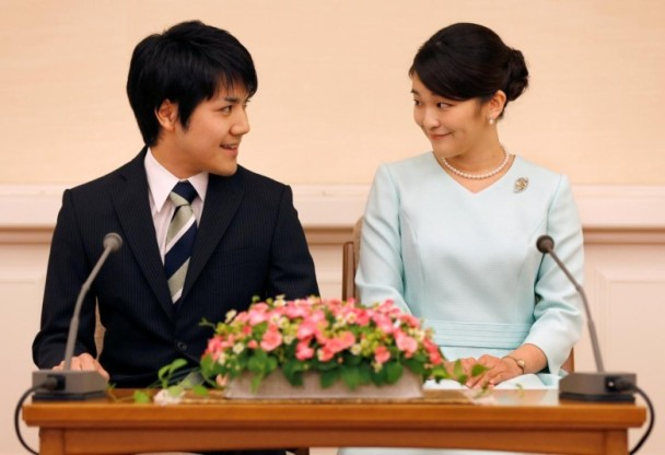"""日本皇室""""准驸马"""" 多家电视台报道"""