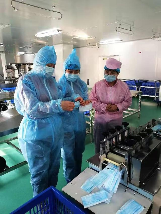 閑置兩年后 北京兩家企業口罩生產線火速復產