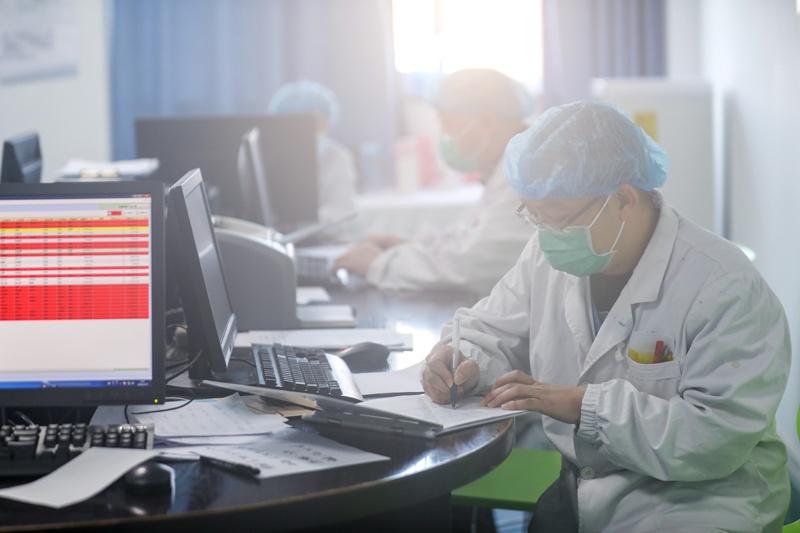 与时间赛跑 抗疫专用负压救护车解析