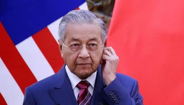 马来总理马哈蒂尔为何突然辞职?对